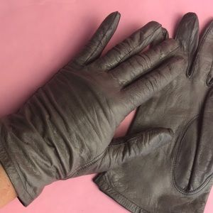 Vintage gray leather gloves